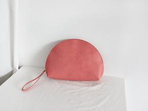 moon clutch : pink