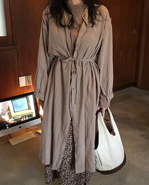 with robe ops : cocoa beige